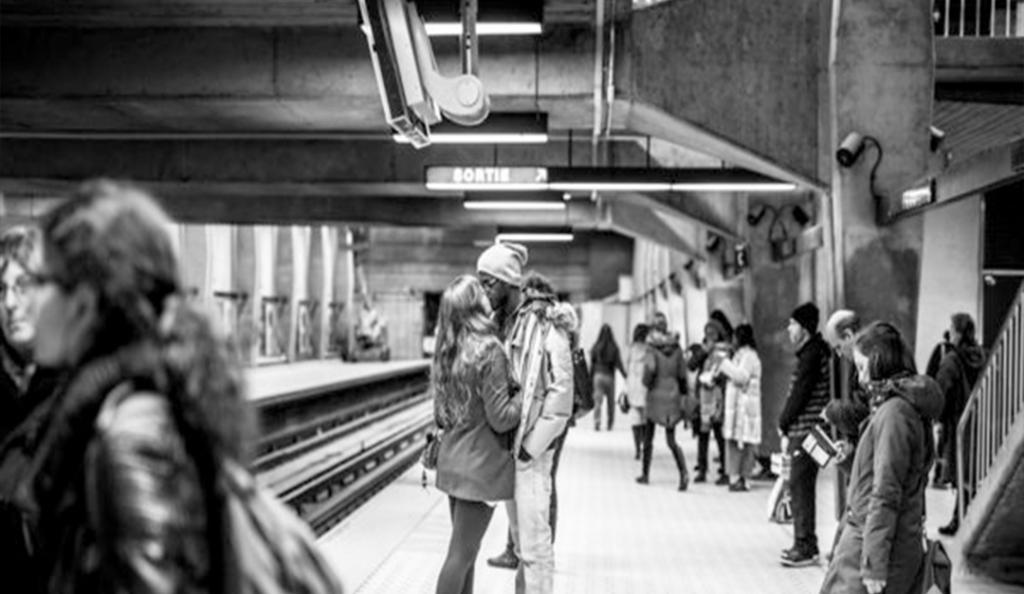 İlk kez metroda.. - Hikaye Oku