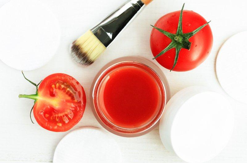 siyah noktalar için domates maskesi