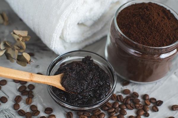 türk kahvesi ile maske yapımı